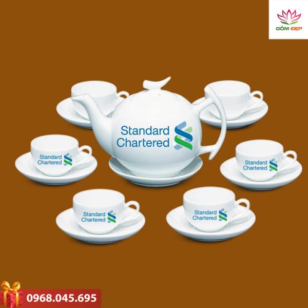 Ấm trà quà tặng Standard Chatered