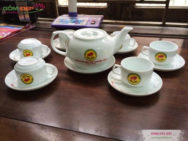 Bộ ấm trà in chữ dáng CK lõm