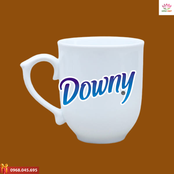 Ly sứ in logo Downy