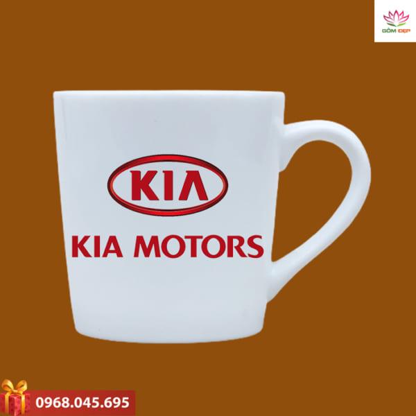 Ly sứ in logo Kia Motors