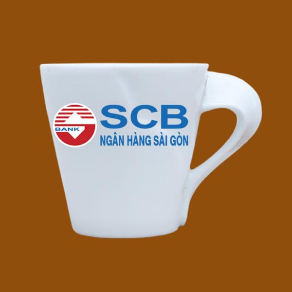 Ly sứ quà tặng in logo SCB