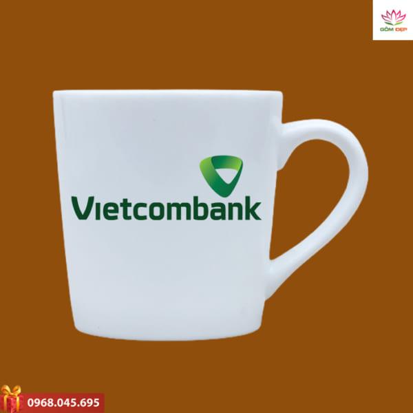 Ly sứ in logo Vietcombank